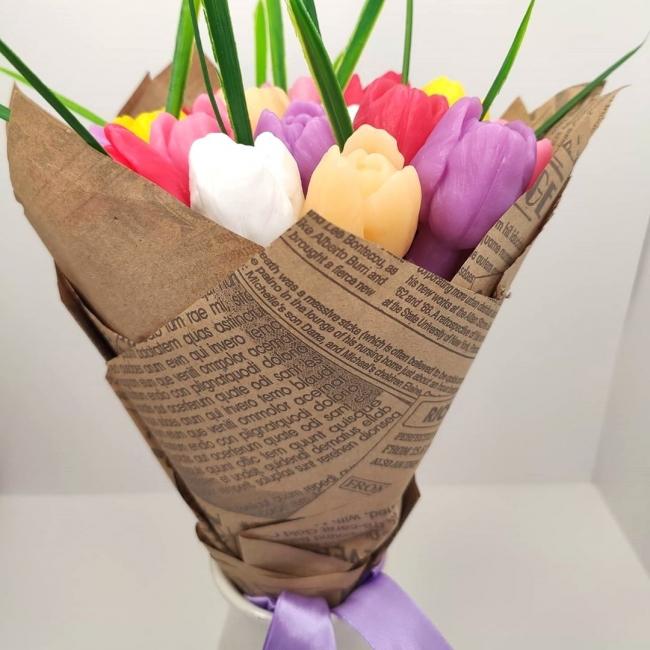 Большой букет тюльпанов