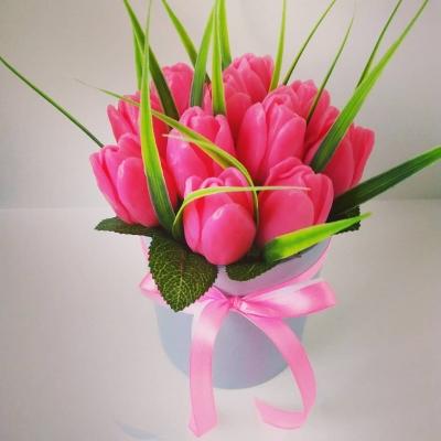myloland.by Тюльпаны в шляпной коробке