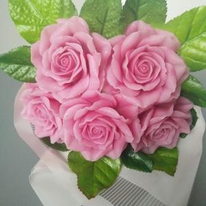 Нежный букет из 5 роз